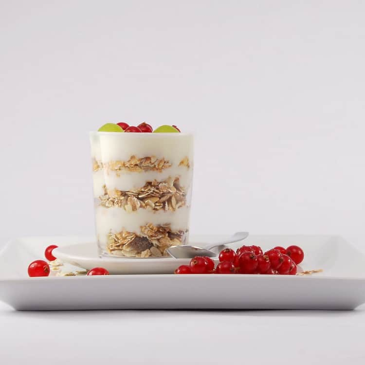 image of yogurt and fruit