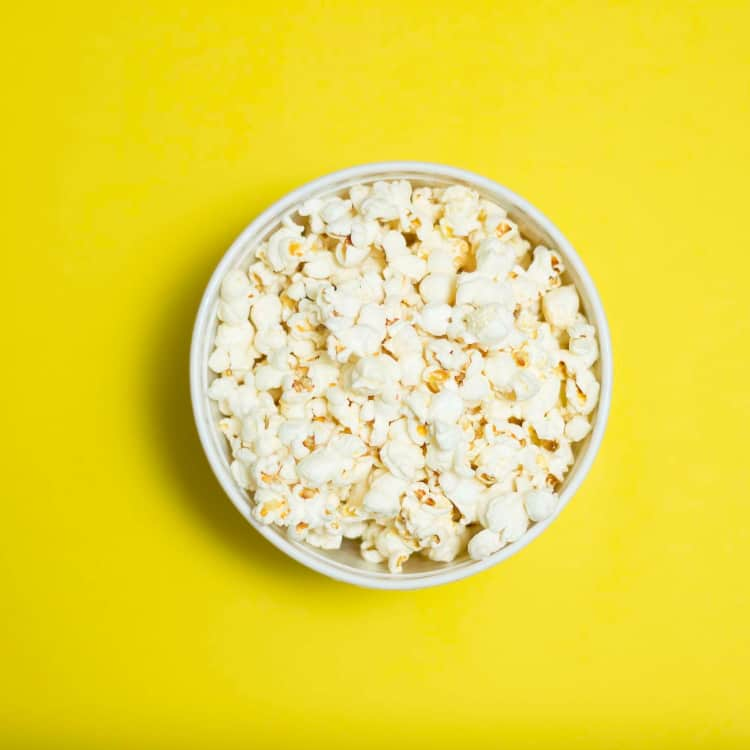 image of unflavored popcorn as a healthy snack for work